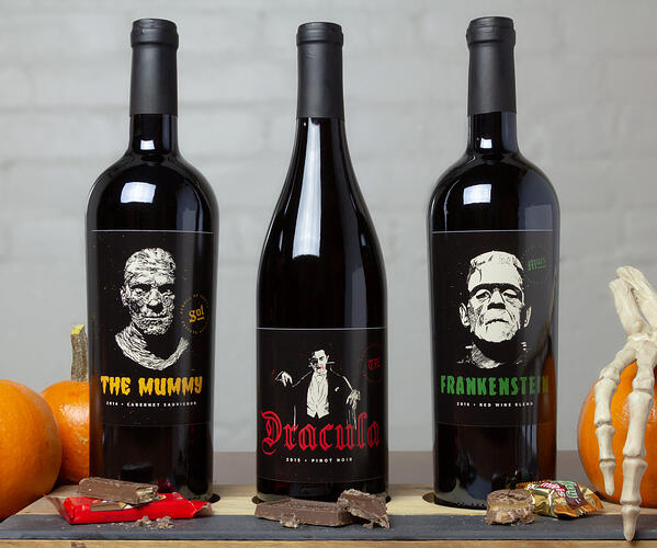 Classic Monsters Wine Gift Set