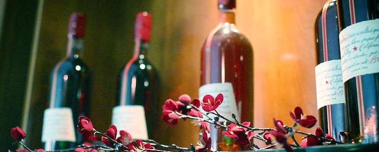 how much wine do you need for a wedding